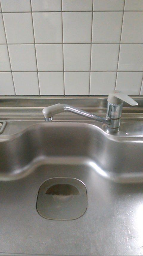茨城県石岡市で台所の蛇口水漏れで対応させて頂きました。