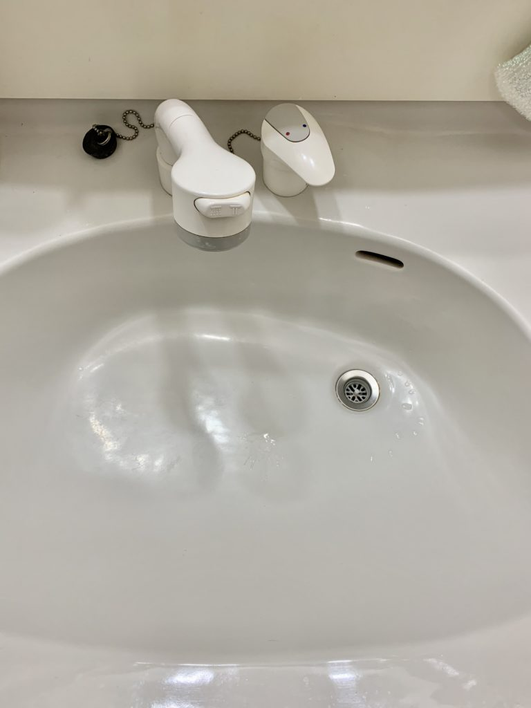 日立市で洗面蛇口の水漏れ修理を行いました。
