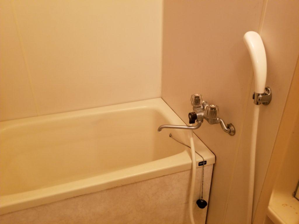 水海道市でお風呂の蛇口水漏れ修理を行いました。