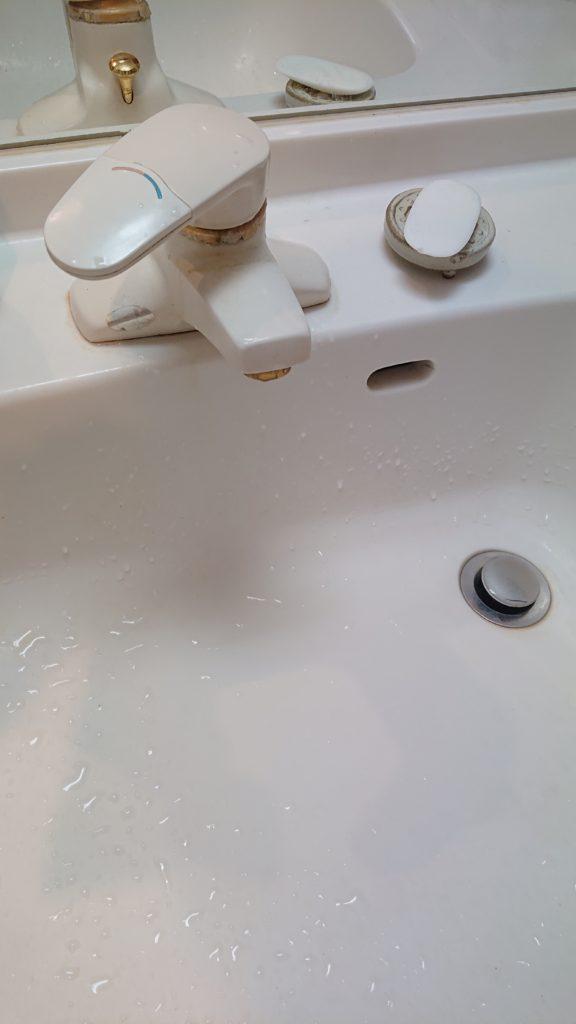 土浦市で洗面蛇口の水漏れ修理を行いました。