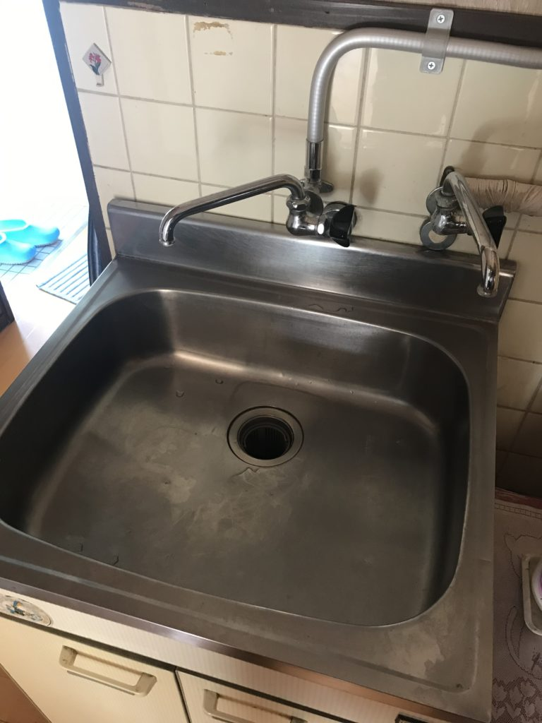 下妻市で台所蛇口の水漏れ修理を行いました。